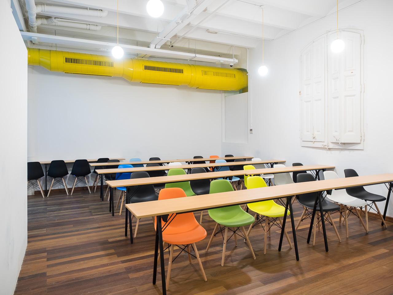 Meepstudio interiorismo y dise o de oficinas coworking for Oficina de paro barcelona